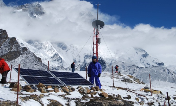 relay tower everest